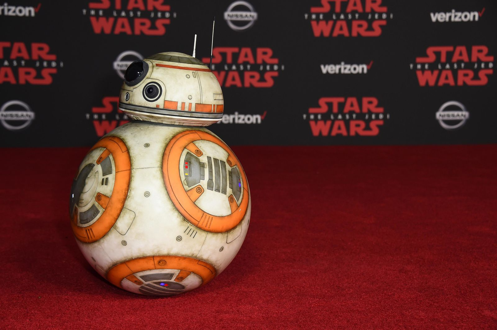 "BB-8 arrives at the Los Angeles premiere of ""Star Wars: The Last Jedi"" at the Shrine Auditorium on Saturday, Dec. 9, 2017, in Los Angeles. (Photo by Jordan Strauss/Invision/AP)"