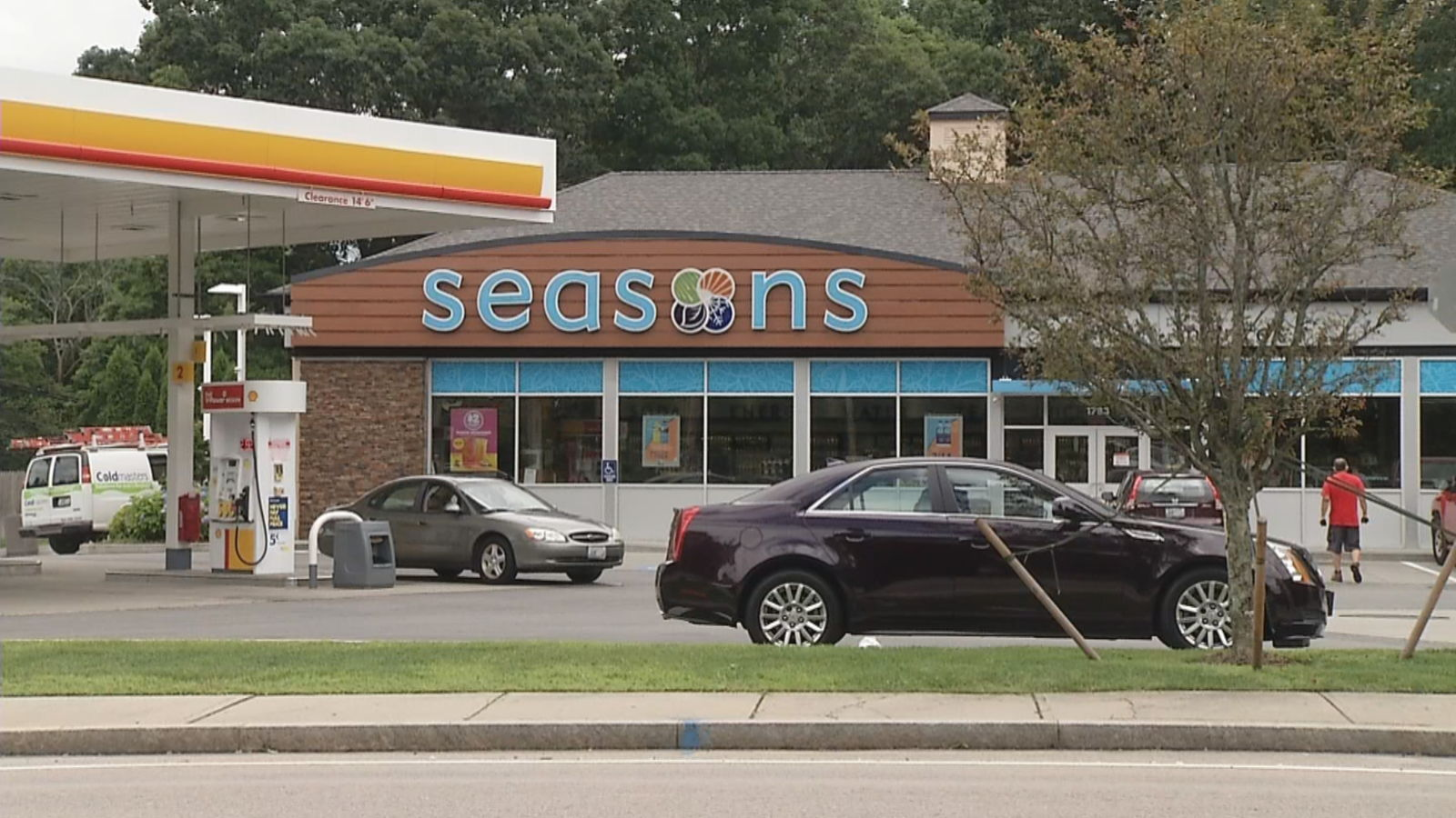 Seasons Market on Old Louisquisset Pike in Lincoln. (WJAR)