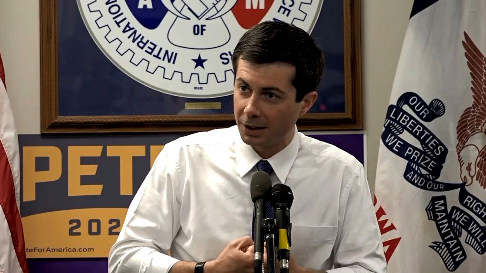 Democratic candidate and South bend, Ind. Mayor Pete Buttigieg campaigns in Des Moines, Iowa. (Image: WSBT)