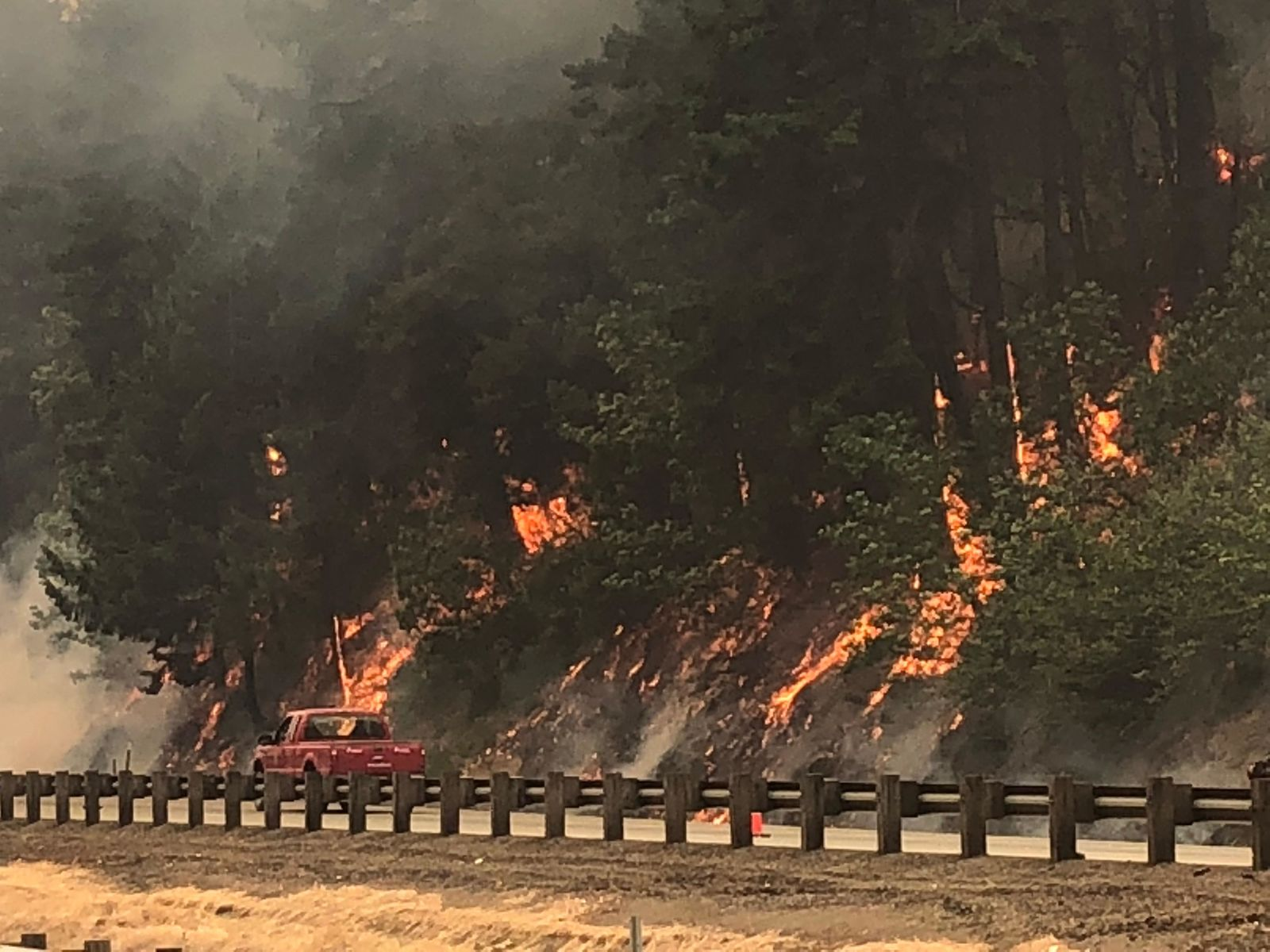 The Milepost 97 Fire burns along Interstate 5 in Oregon. (ODOT/CC by 2.0)