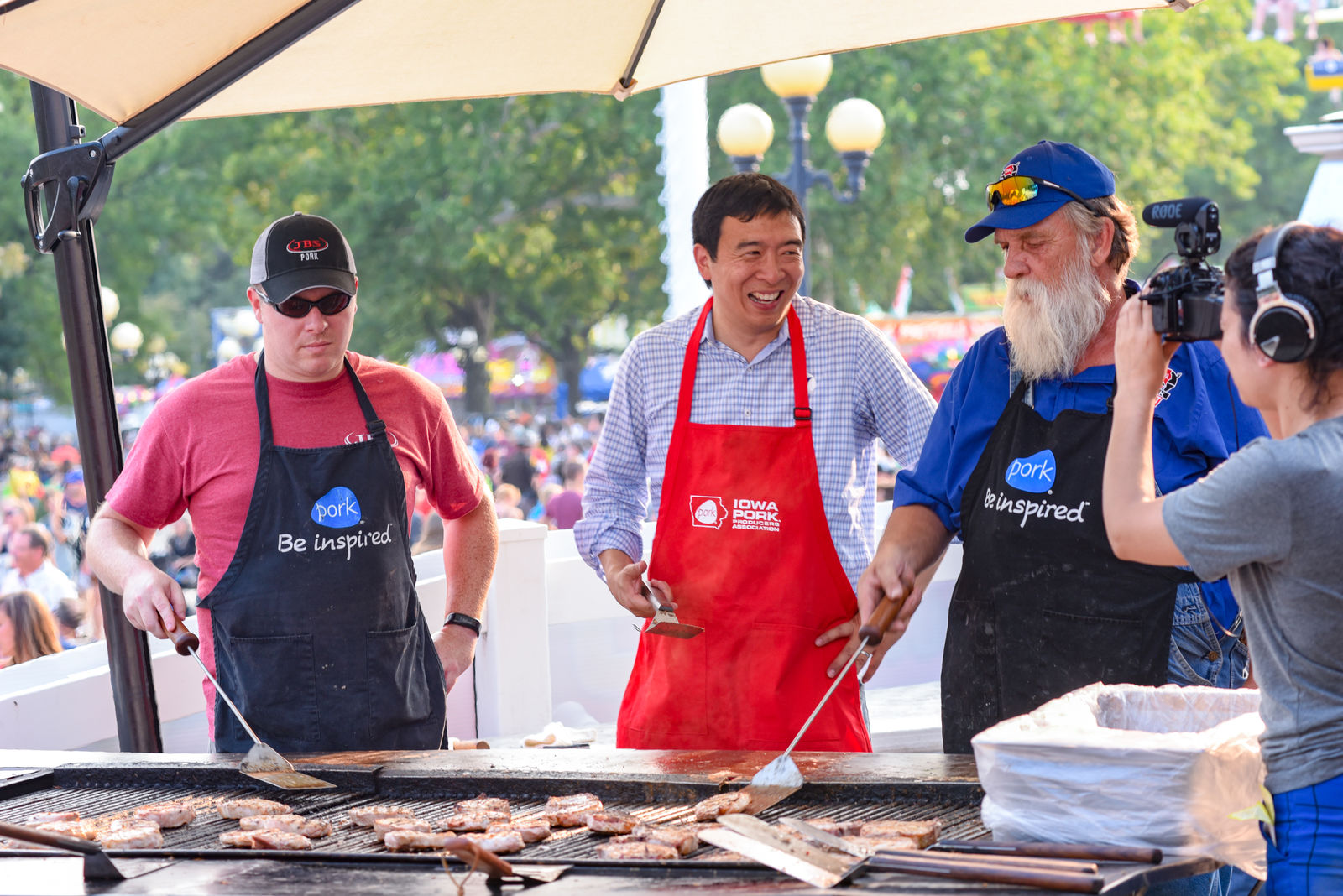 Andrew Yang - Iowa State Fair Pork BBQ (Photo courtesy: Andrew Frawley via Yang's campaign)
