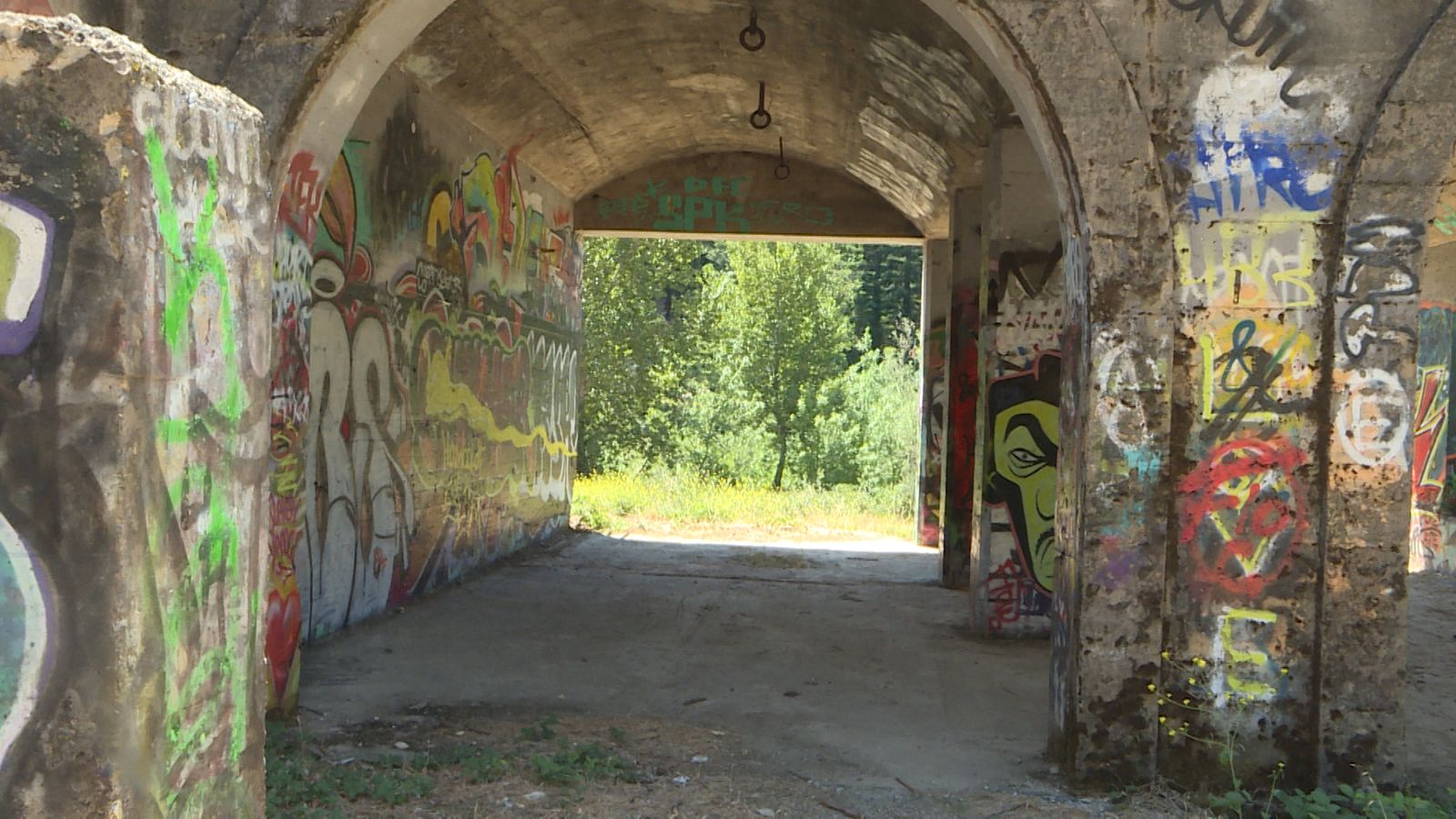 Looking through the 3rd floor Ament Dam arch.{&nbsp;} (John Stoeckl/News 10)<br>
