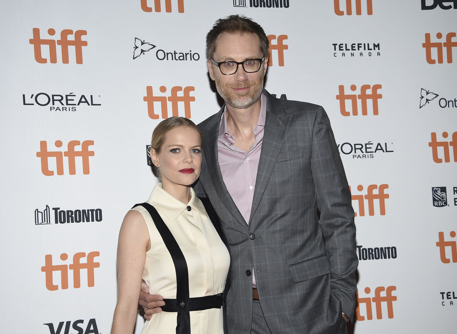 "Actor Stephen Merchant, right, and girlfriend Mircea Monroe attend the premiere for ""Jojo Rabbit"" on day four of the Toronto International Film Festival at Roy Thomson Hall on Sunday, Sept. 8, 2019, in Toronto. (Photo by Evan Agostini/Invision/AP)"