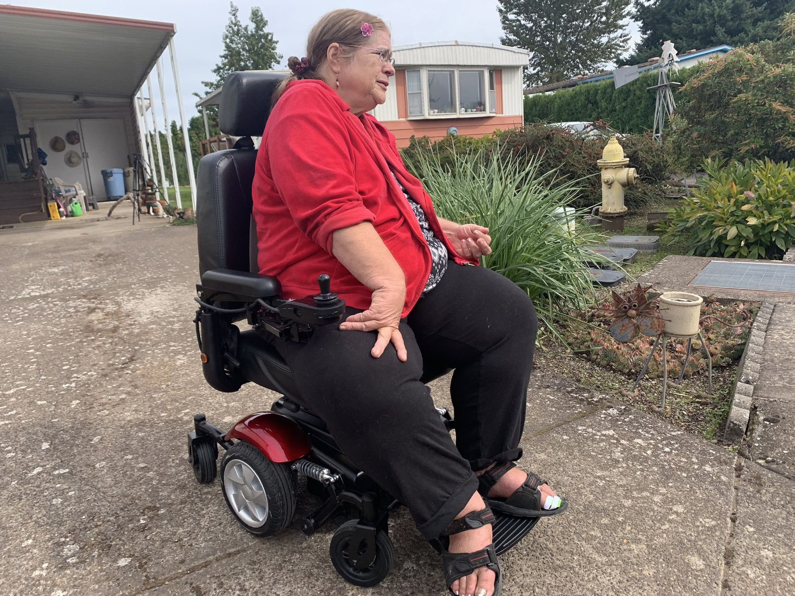 An Oregon woman whose motorized wheelchair was stolen last week is moving again with the help of a new chair. (SBG)