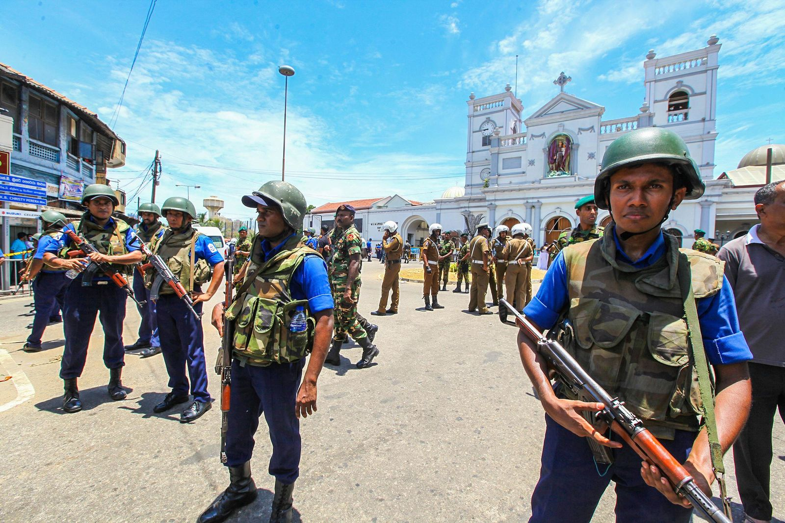 Sri Lankan Army soldiers secure the area around St. Anthony Shrine after a blast in Colombo, Sri Lanka, Sunday, April 21, 2019.{ } (AP Photo/Chamila Karunarathne)