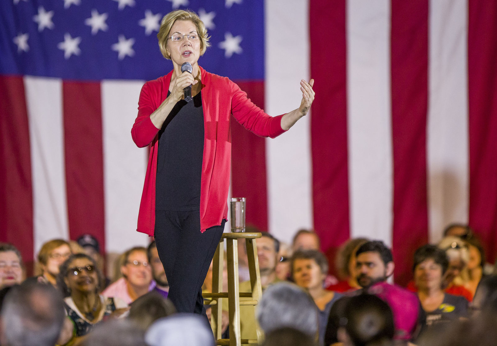 Democratic presidential candidate Elizabeth Wareen takes the stage for her Elkhart Community Conversation event on Wednesday, June 5, 2019, at the RV/MH Hall of Fame and Museum in Elkhart, Ind. (Robert Franklin/South Bend Tribune via AP)