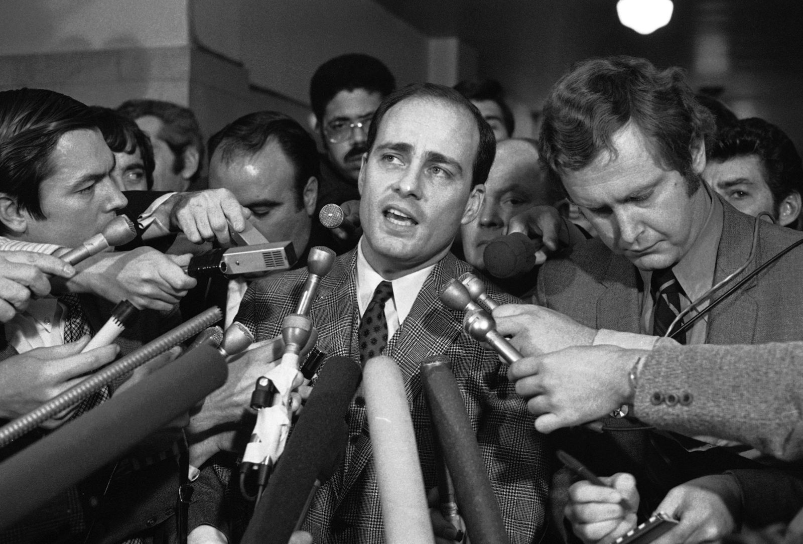 FILE - In this Jan. 26, 1971, file photo, Manson trial chief prosecutor Vincent Bugliosi talks with reporters outside a Los Angeles courtroom.. (AP Photo, File)