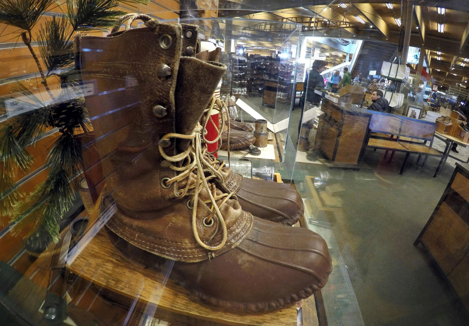 Another Judge Tosses Lawsuit Over Ll Bean Return Policy Wjar