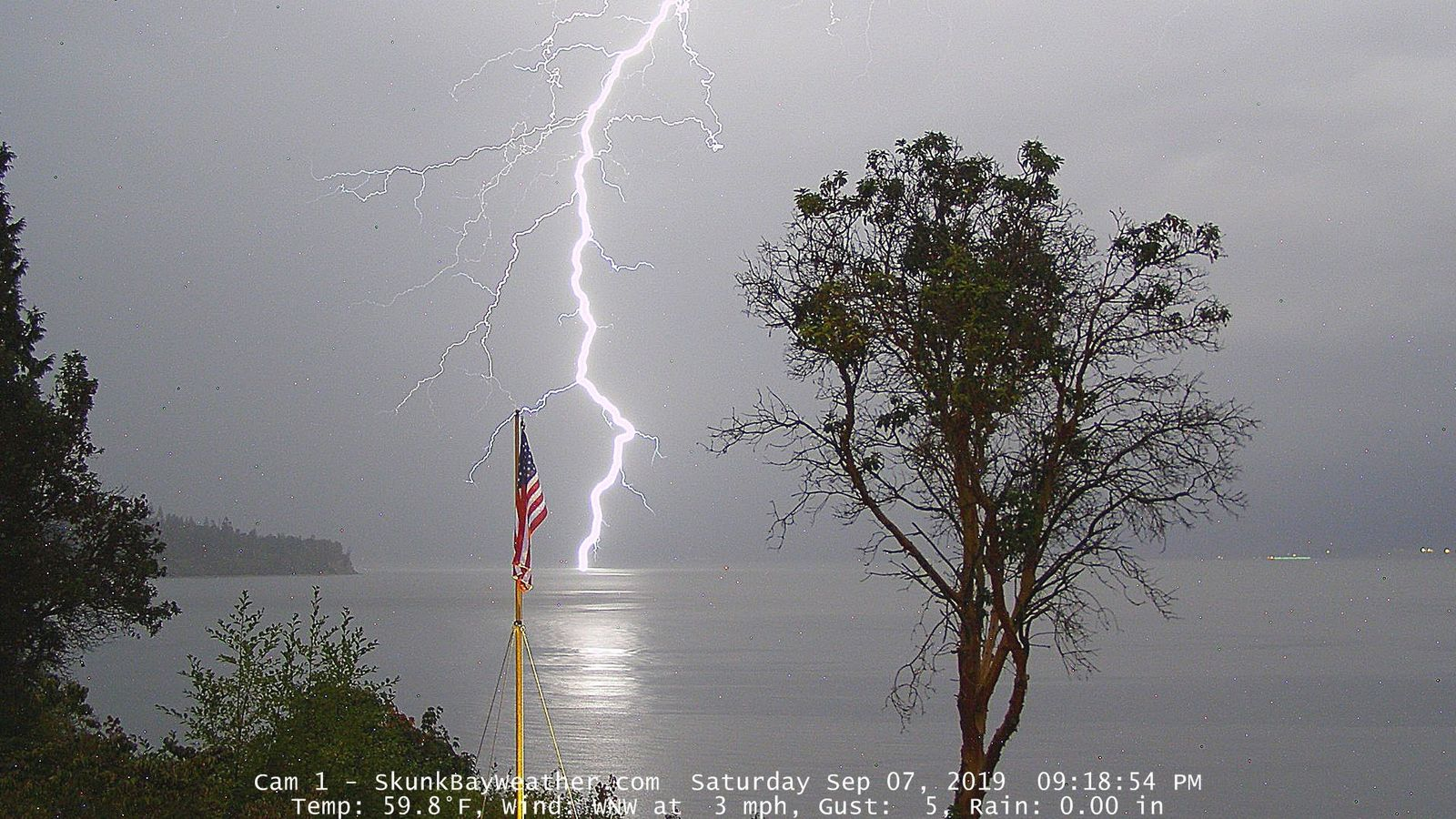 Lightning as seen from Hansville, Wash. (Photo: Greg Johnson / SkunkBayWeather.com)