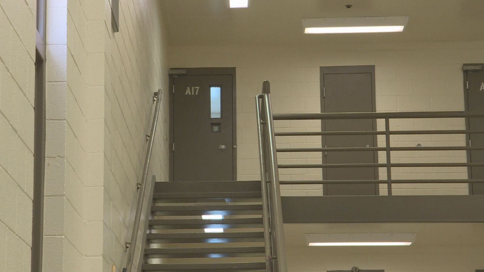 "A 36-year-old man died Tuesday while in the custody of the Davis County Sheriff's Office at the county jail, shown here.{&nbsp;}<a  href=""https://kutv.com/news/local/davis-county-making-policy-changes-after-string-of-jail-deaths"" target=""_blank"" title=""https://kutv.com/news/local/davis-county-making-policy-changes-after-string-of-jail-deaths"">It is the tenth death there since 2016</a>. (File photo: KUTV)"