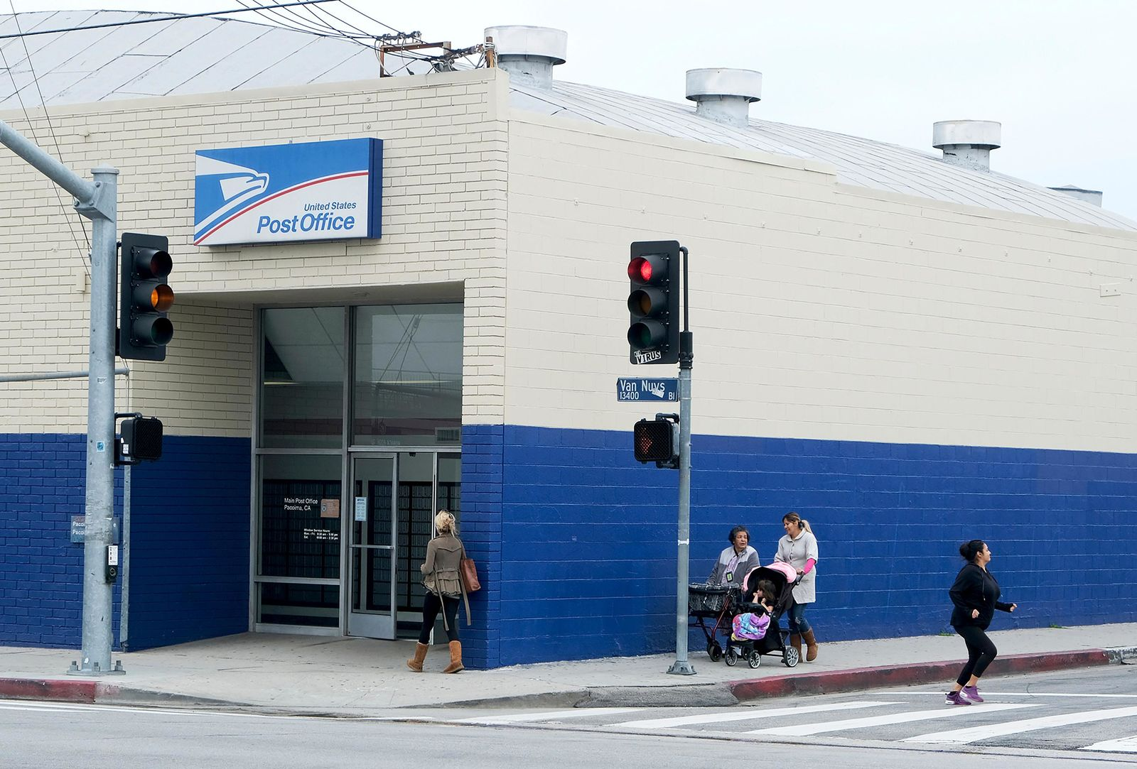 This March 1, 2019 photo shows the Pacoima post office in Los Angeles' San Fernando Valley. President Donald Trump has signed resolutions renaming two post offices in Southern California in honor of Marilyn Monroe and rock 'n' roll legend Ritchie Valens. (Dean Musgrove/The Orange County Register via AP)