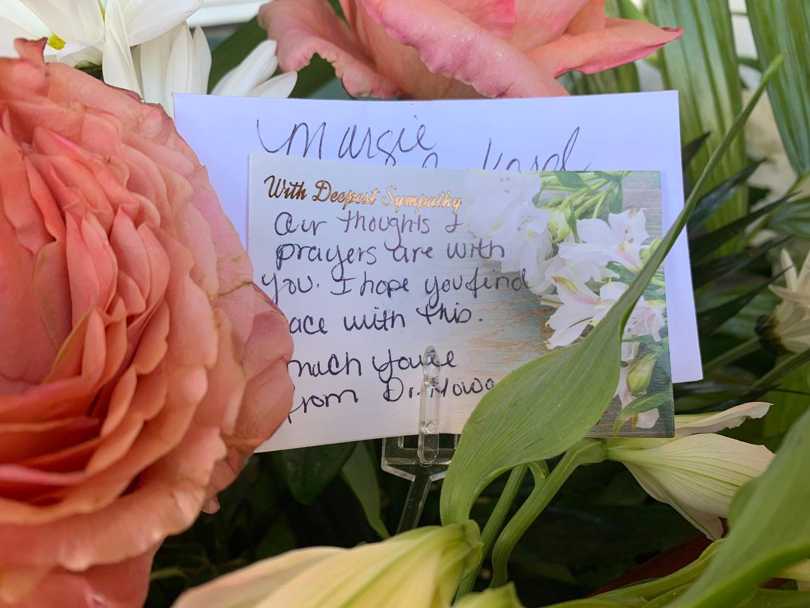 Cards left with flowers at funeral services for Margie Reckard, one of the victim's of the El Paso Walmart shooting. Aug. 16, 2019 (Jala Washington - KFOX14/CBS4)