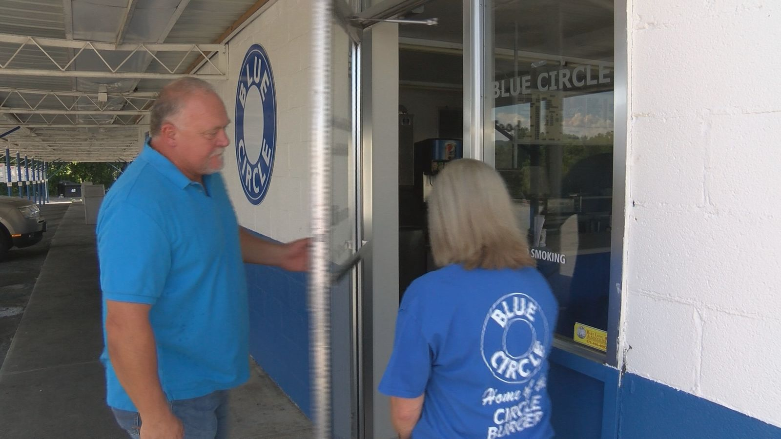 The Sourbeer couple plans to add live music and an all-day breakfast option to their revival of Blue Circle. (Angelique Arintok, WCYB)