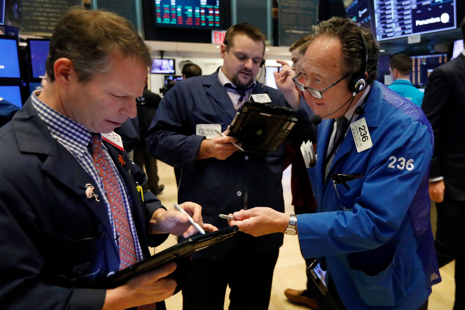 Wall Street faces annual losses despite solid gains for ...