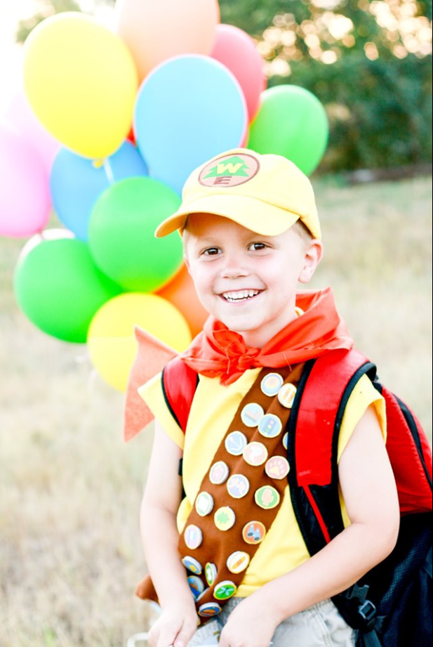 5-year-old obsessed with 'Up' made great-grandparents dress up for birthday photo shoot (Rachel Perman Photography){ }