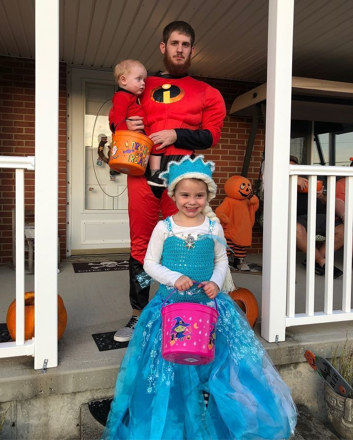 The kids with their daddy for Halloween - Hayley Green