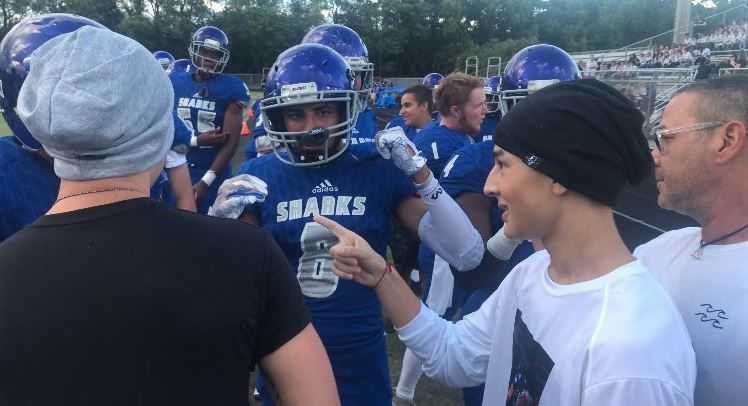Spanish River football player has heartwarming reunion with team after brain injury (WPEC)