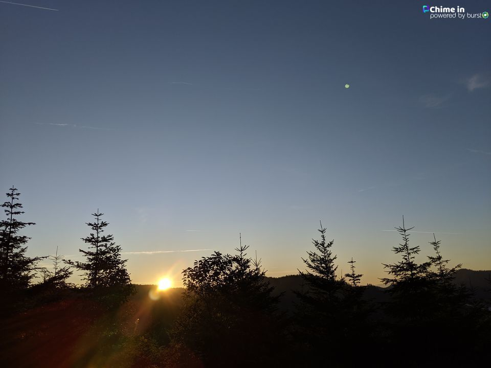 Josalyn shared photos of the sunrise October 7 near Oakland, Oregon, via the Chime In tab on our website.