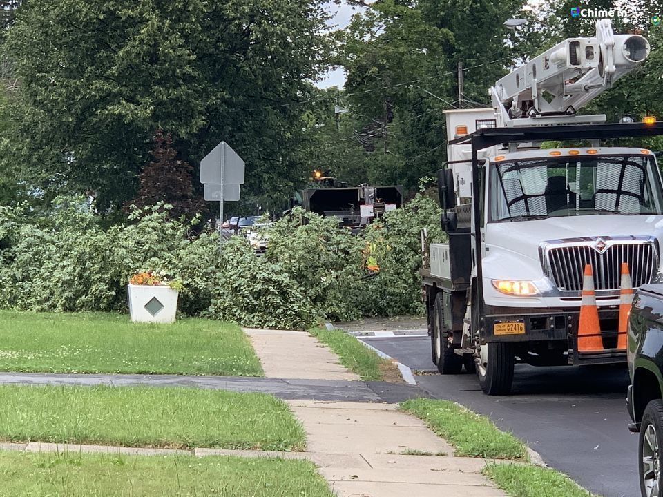 Storm causes damage, flooding, and leaves 1,700 people without power in Auburn (Allison Bybee)