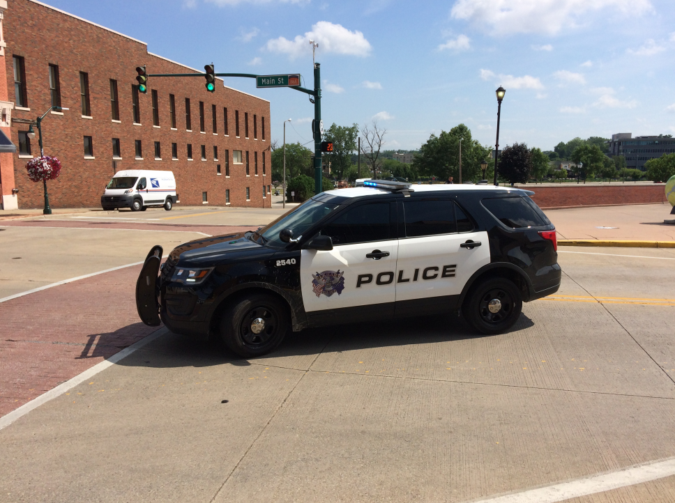 <p>Police in downtown Elkhart are investigating a suspicious package. // WSBT 22</p>