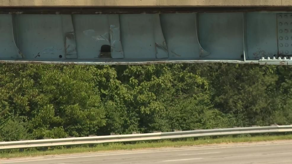 Gahanna Police charged a truck driver with aggravated vehicular homicide after a deadly crash on early Friday morning on I-270. An oversized load hit the Claycraft Road overpass, fell off the trailer and hit two cars. One driver was killed while another was uninjured. (WSYX/WTTE)