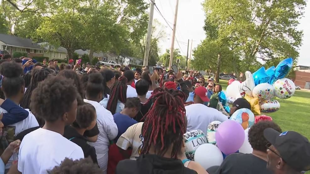 After the shooting death of a 14-year-old, reportedly at the hands of a 13-year-old, a group of Columbus teens came together to start an anti-violence group for their peers (WSYX/WTTE)<p></p>
