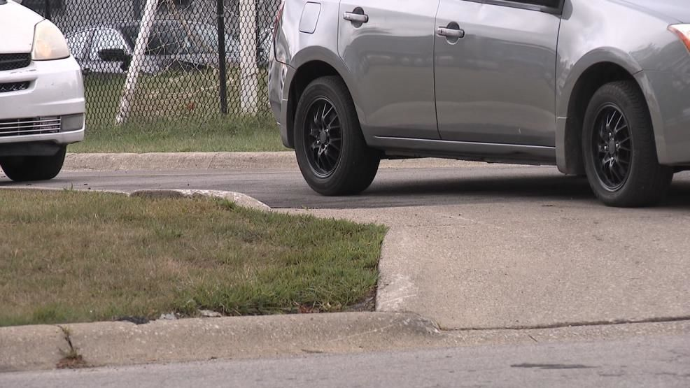 "Neighbors on the north side say parents waiting to pick up their kids from school are causing major problems that are now compromising safety. They called Scoring Our Schools to say they've complained to the city and Horizon Science Academy off Morse Road for years but nothing has helped what they describe to be a ""traffic nightmare."" (WSYX/WTTE){ }"