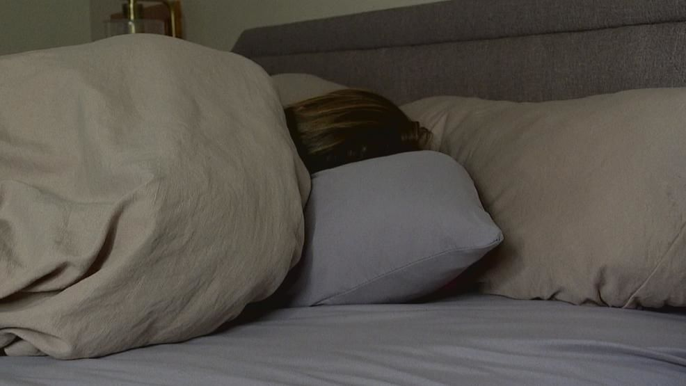 <p>For many Americans, sleeping more than six hours a night would be a dream. Some say they're even willing to pay for it. (WSYX/WTTE){&nbsp;}</p>